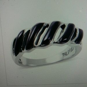Nwt- black onyx and Sterling setting. Size 8